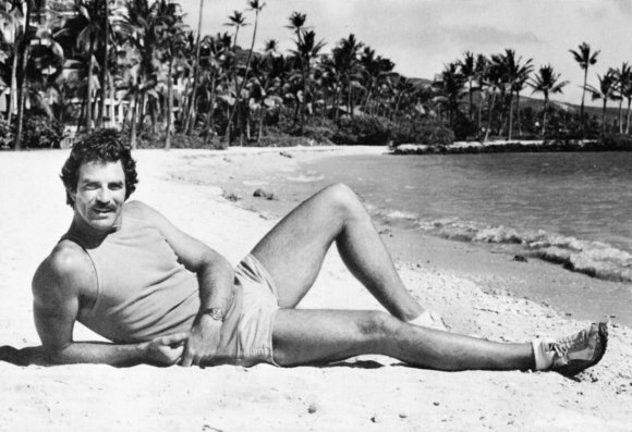 tom-selleck-beach